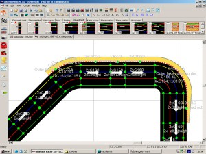 Configurazione ottimale dei cordoli in un corto rettilineo fra due curve